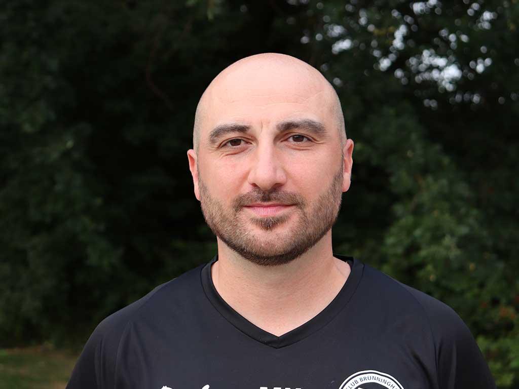 Portrait Mesut Hatil, Trainer U12 Saison 2018/19
